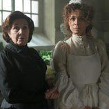 Doña Ángela y su hermana Violeta