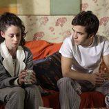 Carlos preocupado por su amiga Karina