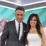 Kiko Hernández y Carmen Alcayde en el plató de 'Las bodas de Sálvame'