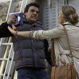 Alba Rivas intentando evitar un accidente