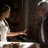 Alba Rivas dialoga con un nuevo personaje de 'El don de Alba'