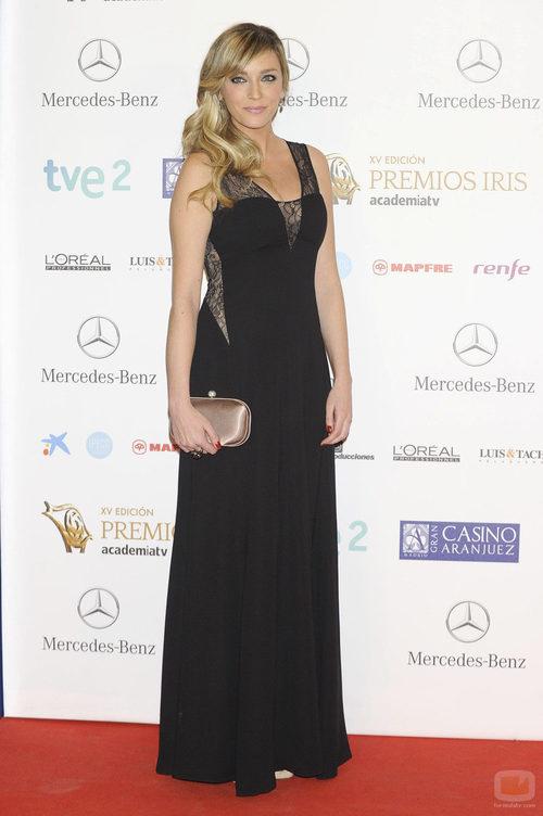 Anna Simon en la alfombra roja de los Premios Iris 2013