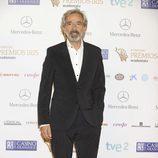 Imanol Arias en la alfombra roja de los Premios Iris 2013