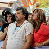 Javi, Tino y Alicia en la manifestación del colegio