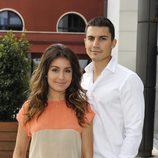 Álex González e Hiba Abouk en la rueda de prensa de 'El Príncipe'