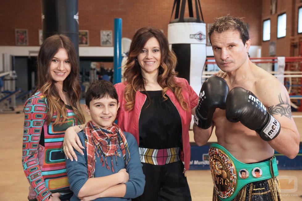 La familia del boxeador Javier Castillejo, participante de 'Me cambio de familia'