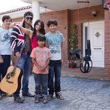 Familia del cantante Coyote Dax, participante de 'Me cambio de familia'