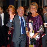 Alfredo Landa y su mujer