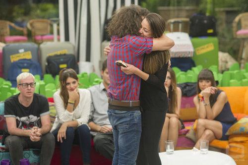 Kristian abraza a Sonia tras enterarse de su reencuentro con Igor