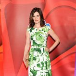 Betsy Brandt presenta 'The Michael J. Fox Show' en los Upfronts 2013 de NBC