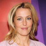 Gillian Anderson presenta 'Crisis' en los Upfronts 2013 de NBC