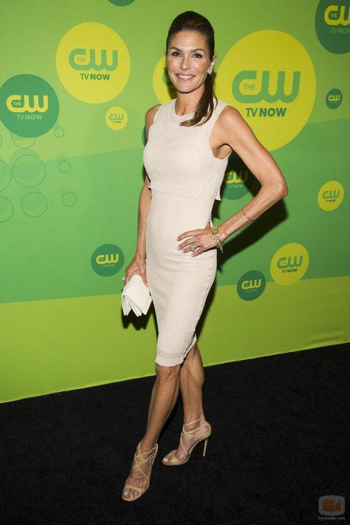 Paige Turco presenta 'The 100' en los Upfronts 2013 de The CW