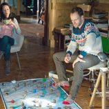 Lucy Liu y Jonny Lee Miller en 'Elementary'