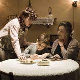 Nora Navas y Carmen Maura en 'Carta a Eva'