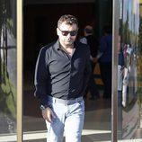 Jorge Javier Vázquez en el tanatorio de Mario Biondo