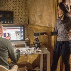 Lucy Liu y Jonny Lee Miller, pareja de actores en 'Elementary'