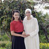 Adriana Ugarte y Alba Flores son Sira Quiroga y Jamila en 'El tiempo entre costuras'