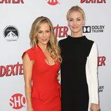 Julie Benz y Yvonne Strahovski, en la presentación de la última temporada de 'Dexter'