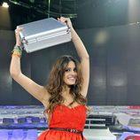 Susana levanta el maletín de ganadora de 'Gran Hermano catorce'