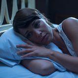 Paula Echevarría en la cama en 'Galerías Velvet'