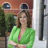 Ana Rosa Quintana, de pantalón y chaqueta verde
