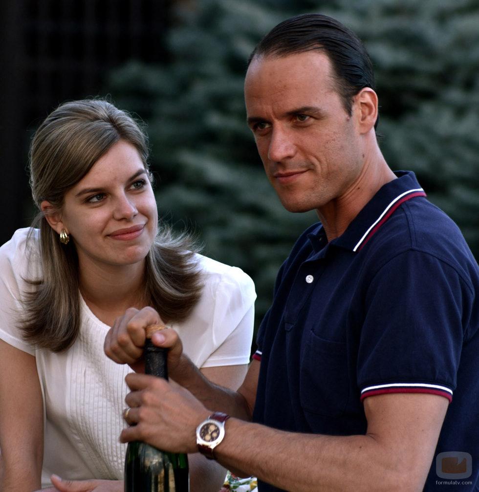 Mario Conde y su mujer Lourdes Arroyo, en 'Mario Conde. Los días de gloria'