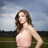 Julie Gonzalo es Rebecca Sutter en 'Dallas'