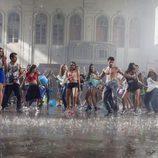 Chicos y chicas bailan en 'Dreamland'