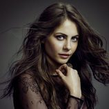 Willa Holland es Thea Queen en 'Arrow'