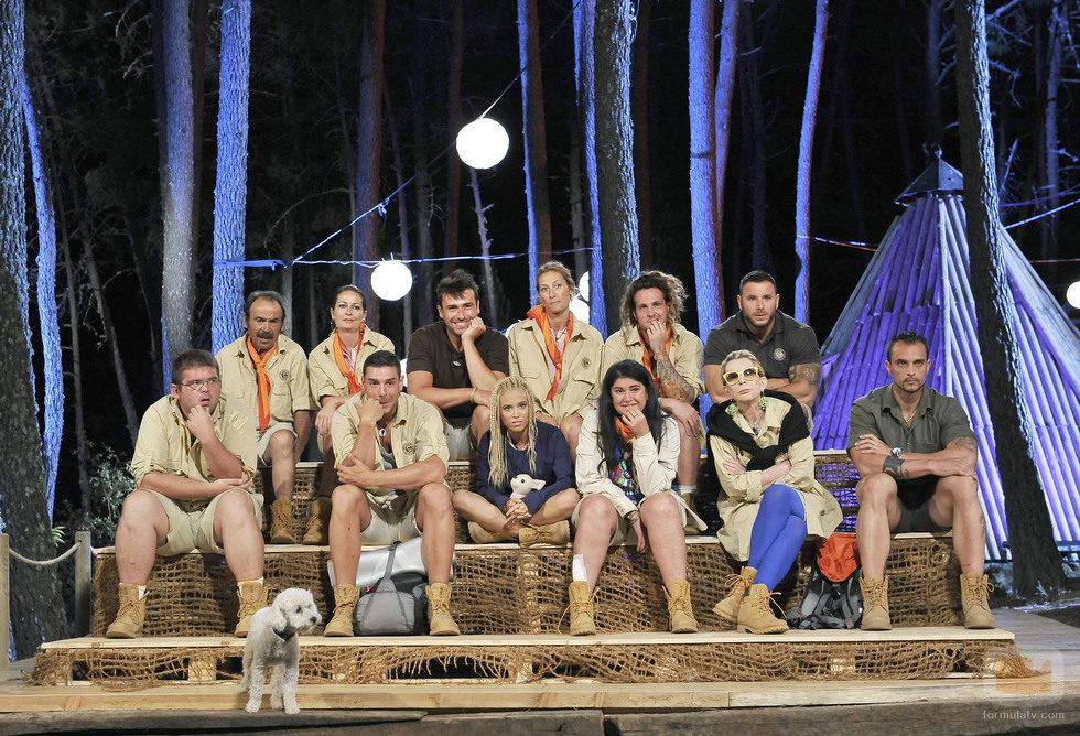 Los 12 exploradores en la primera gala de 'Campamento de verano'