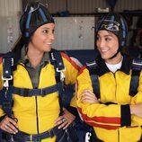 Tamara Falcó enfundada en un paracaídas en 'We love Tamara'