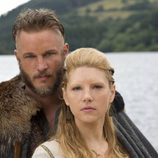 Travis Fimmel y Katheryn Winnick, protagonistas de 'Vikingos'