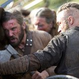 Travis Fimmel en una escena de 'Vikingos'