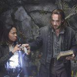 Nicole Beharie y Tom Mison en 'Sleepy Hollow'