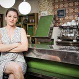 Mariola Fuentes es Candela en la serie de Antena 3 'Vive cantando'