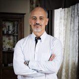 Alberto Jiménez es Julián en la serie 'Vive cantando' de Antena 3