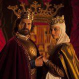 La pareja protagonista de 'Isabel' en la segunda temporada