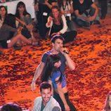 Christian Sánchez y María Hinojosa cantan y bailan en la alfombra naranja del FesTVal de Vitoria 2013