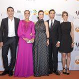 Reparto de 'Galerías Velvet' en la premiere en el FesTVal de Vitoria