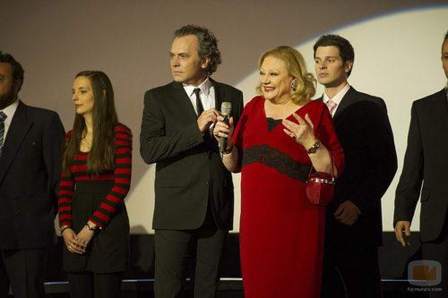 Marisol Ayuso y José Coronado juntos en el episodio 200 de 'Aída'