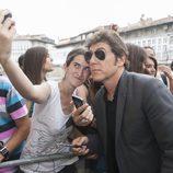 Manel Fuentes entregado a los fans de 'Tu cara me suena' en el FesTVal de Vitoria