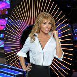Emma García conduce las noches de los sábados en Telecinco 'Abre los ojos... y mira'