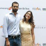 La pareja de 'El tiempo entre costuras' en el FesTVal