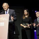 Pedro Piqueras recibe el premio del FesTVal 2013 a 'Informativos Telecinco'