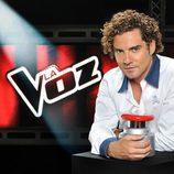 David Bisbal con el pulsador de la segunda edición de 'La Voz'