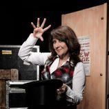 Soledad Mallol con una chistera en 'Por arte de magia'