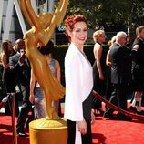 Carrie Preston a su llegada en la afombra roja de los Creative Arts Emmy Awards
