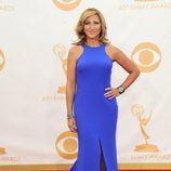 Edie Falco en la alfombra roja de los Emmy 2013