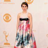 Zosia Mamet en la alfombra roja de los Emmy 2013