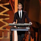 Neil Patrick Harris presenta los Emmy 2013